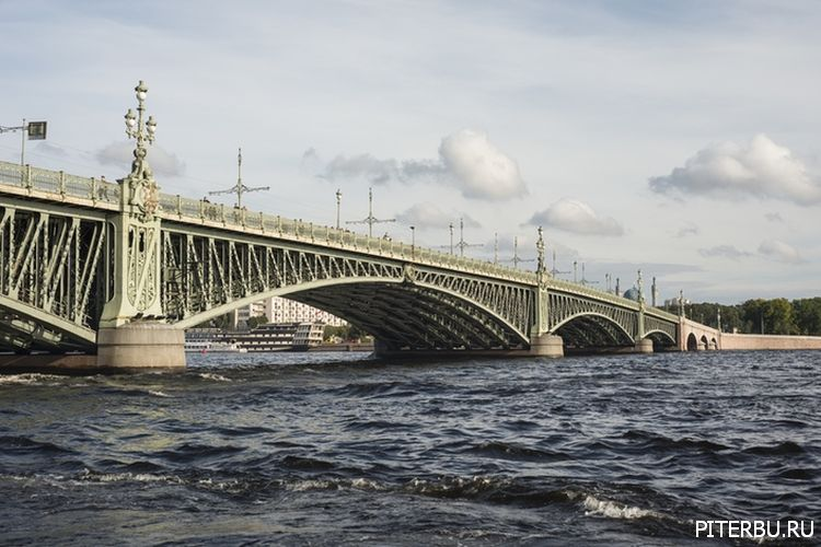 Экскурсия по Петербургу №5: Летний сад – Марсово поле – Троицкий мост