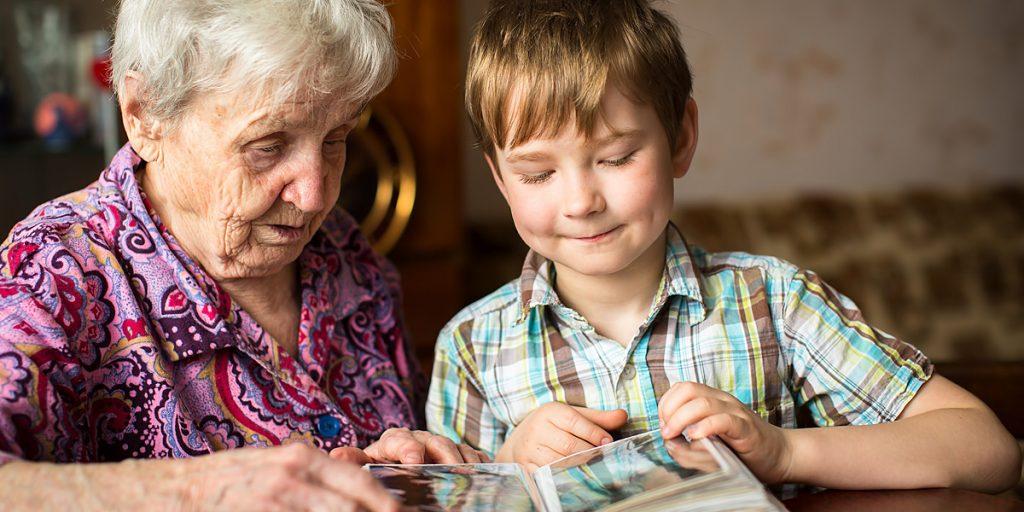 Кто может оформить опекунство над ребенком?