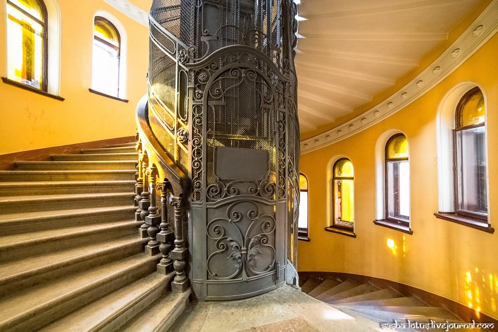 Необычные старинные лифты, которые стоит увидеть в Петербурге