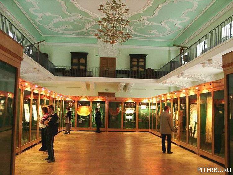 Экскурсия по Петербургу №3: Зоологический музей – Кунсткамера – Дворцовый мост