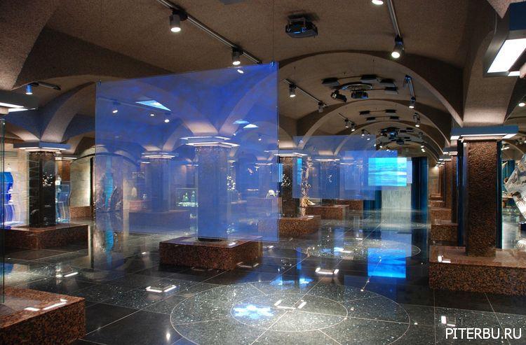 Экскурсия по Петербургу №19: Скорбященская церковь – Музейный комплекс «Вселенная Воды»– Смольный собор