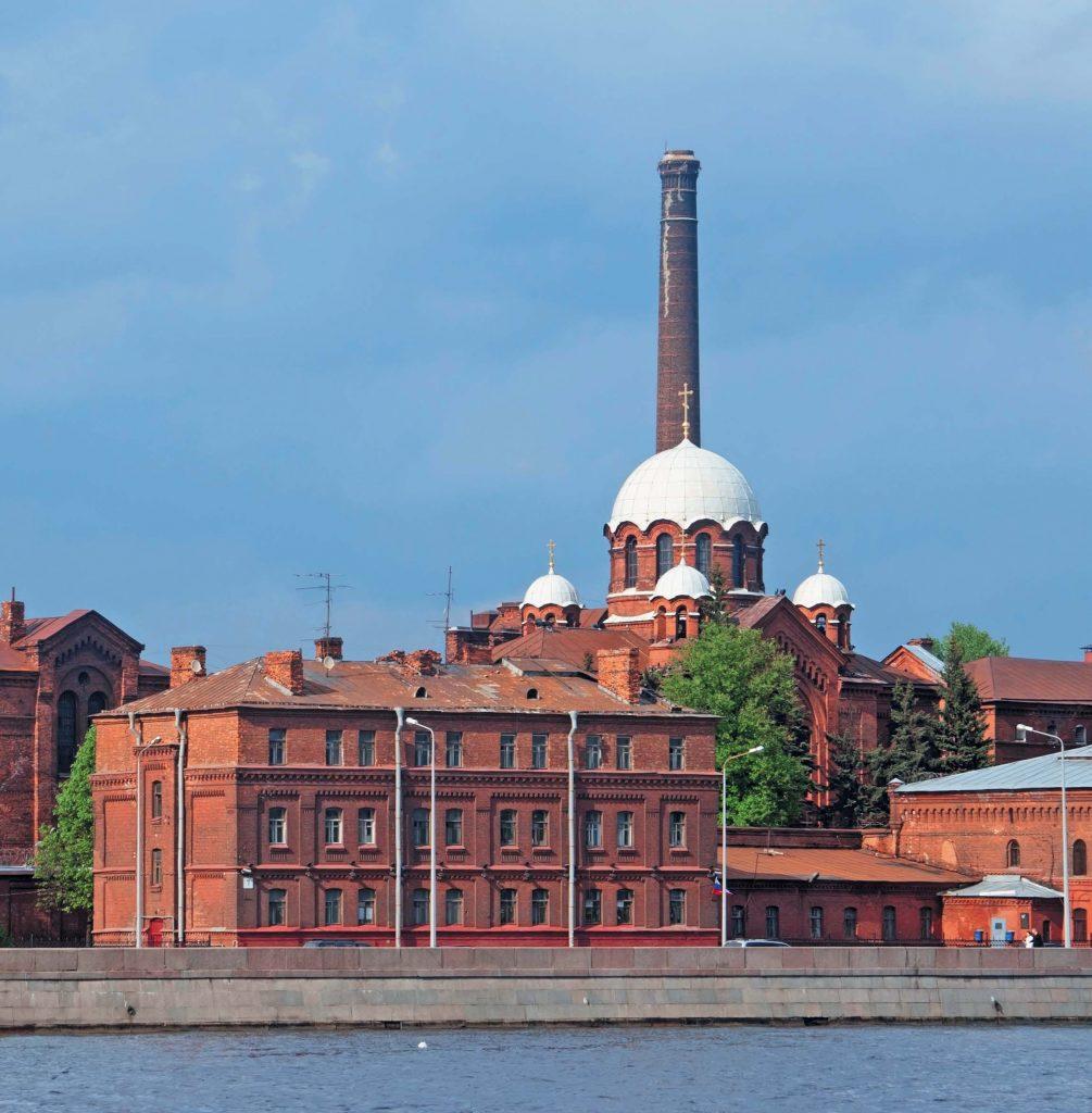 Знаменитая петербургская тюрьма состоит из двух корпусов, которые в плане образуют крест
