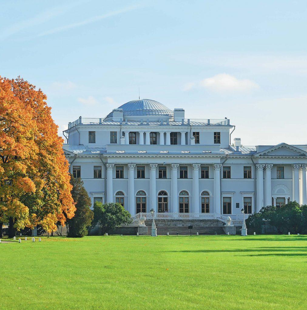 Новый летний императорский дворец по-прежнему называется Елагиным