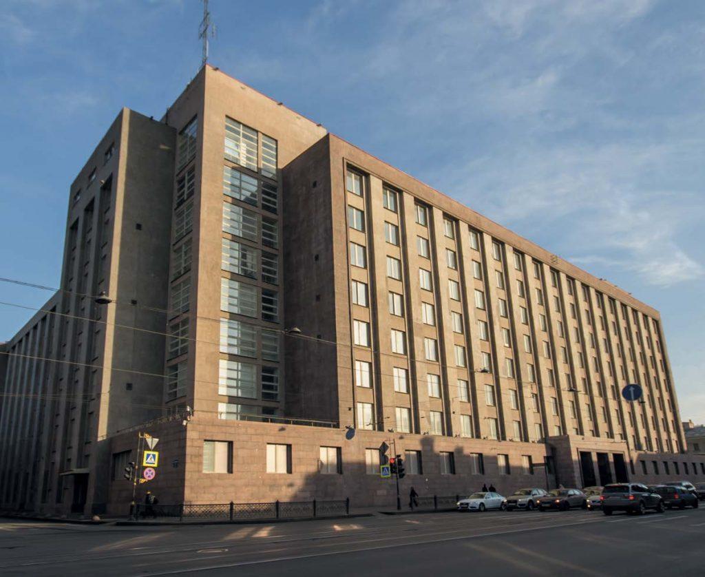Сегодня в Большом доме находится управление Федеральной службы безопасности по Санкт-Петербургу и Ленинградской области