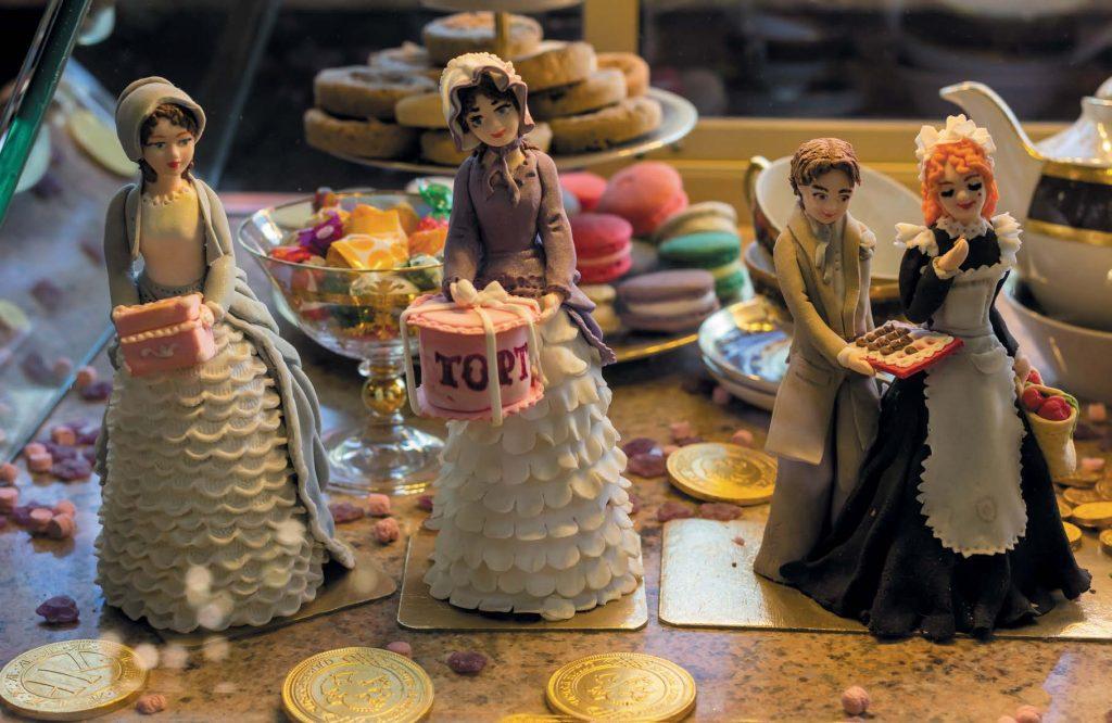 Особая гордость нынешнего Елисеевского магазина — собственная выпечка и кондитерские изделия