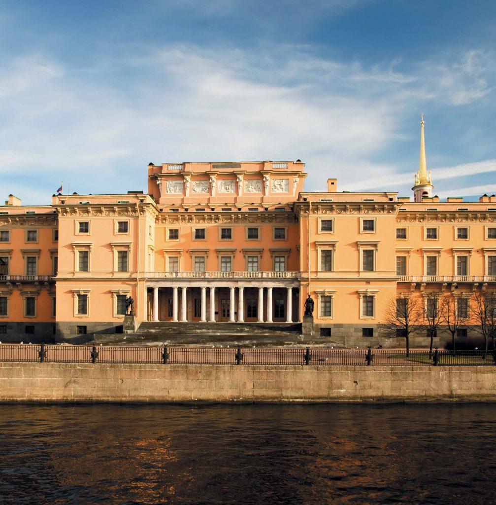 В наши дни в Михайловском замке находится филиал Русского музея