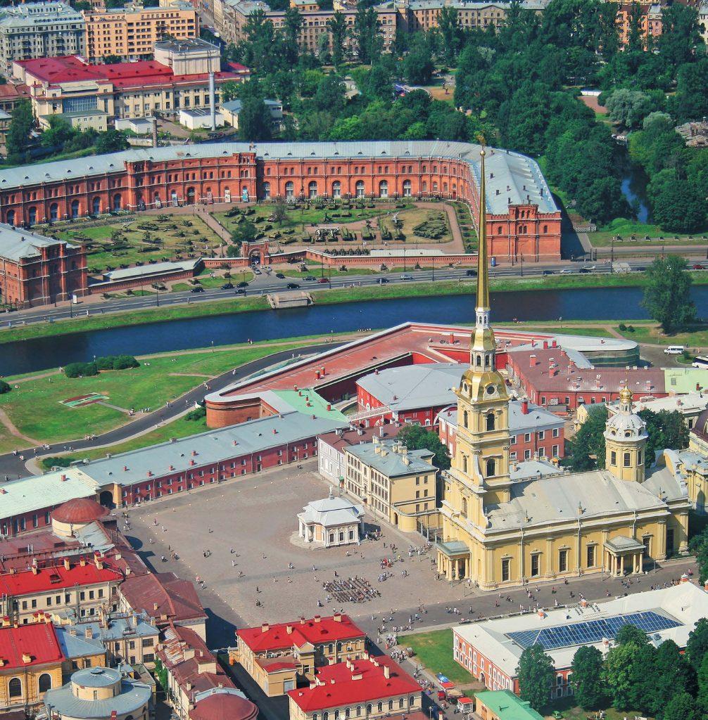 Петропавловскую крепость строили около 20 тысяч «работных людей»