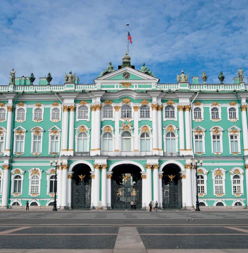 Зимний дворец — главное здание Эрмитажа