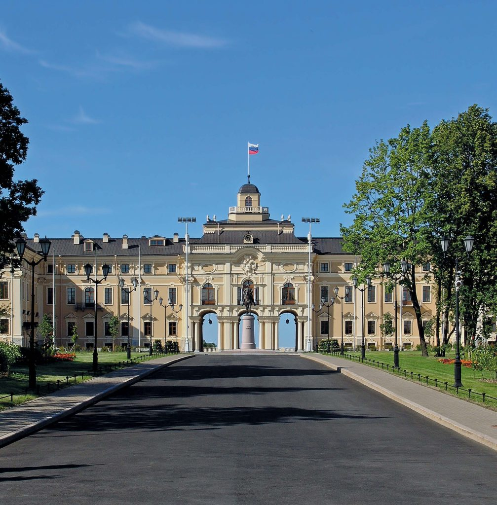 Константиновский дворец в Стрельне (ныне Дворец конгрессов)