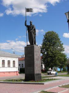 Памятник Александру Невскому в Петербурге в поселке Усть-Ижора