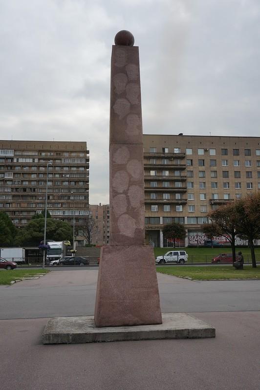 Обелиск, посвященный знаменитым петербуржцам в Петербурге