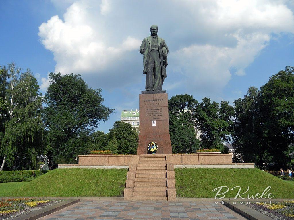 Памятник Т.Г.Шевченко в Петербурге