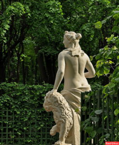 Скульптура «Искренность» в Петербурге в Летнем саду