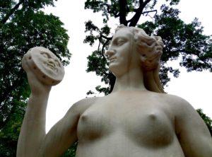 Скульптура «Истина» в Петербурге в Летнем саду