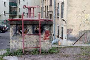 Композиция «Циркачи» (два «Клоуна» и две «Собаки») в Петербурге на 7-й Красноармейской ул.