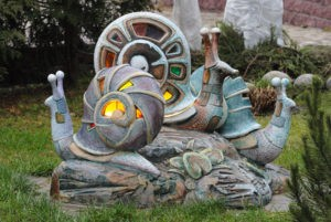 Декоративная фигура «Улитка» в Петербурге на «Аллее журналистов»