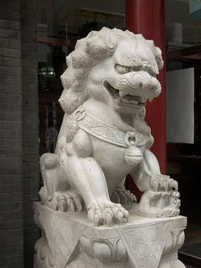 Скульптура «Львы» в Петербурге на пр. Энгельса
