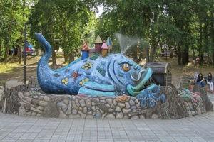 Скульптура «Рыба»в Петербурге на Советском пер.