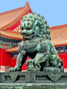 Скульптура «Львы» в Петербурге у китайского ресторана «Дитай»