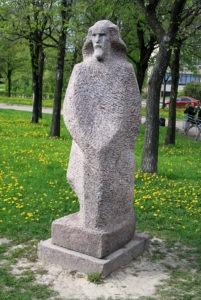 Скульптура «Отец Иакинф» в Петербурге на ул. Турку