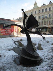 Композиция «Часы Истории» в Петербурге на Большом пр.