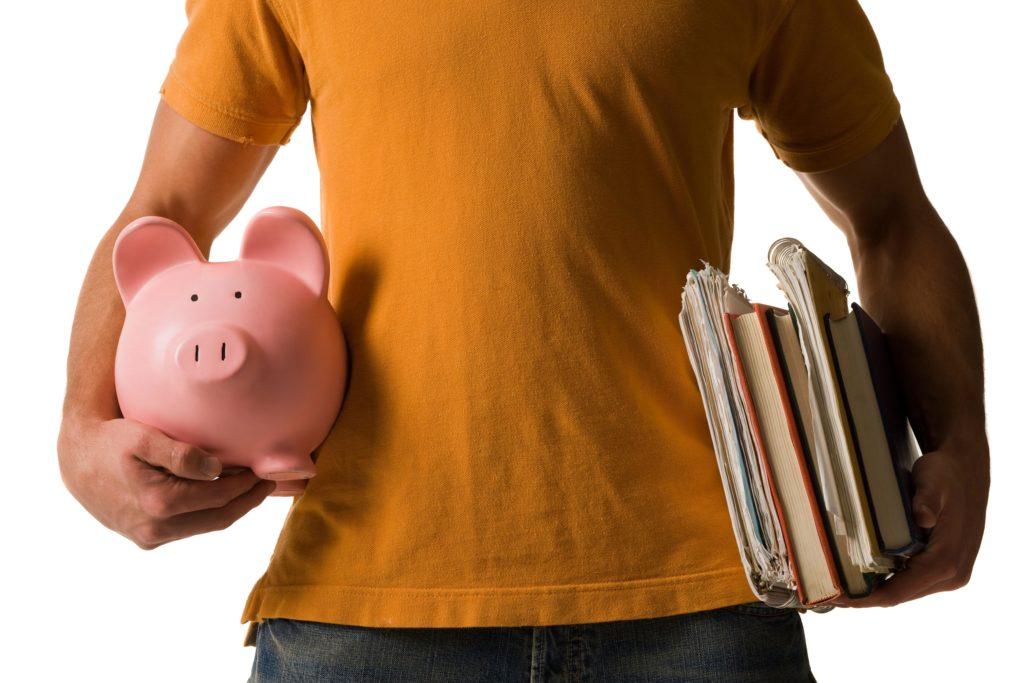 Стоит ли брать кредит на образование? Плюсы и минусы.