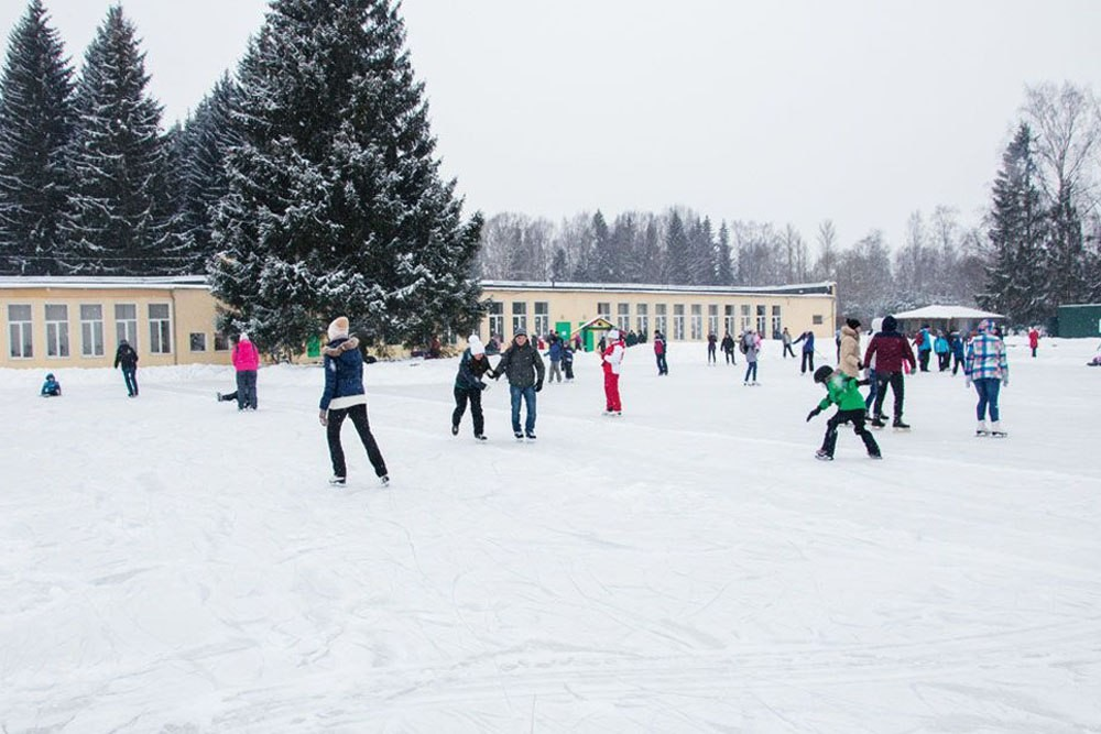 Бесплатный каток в Павловске