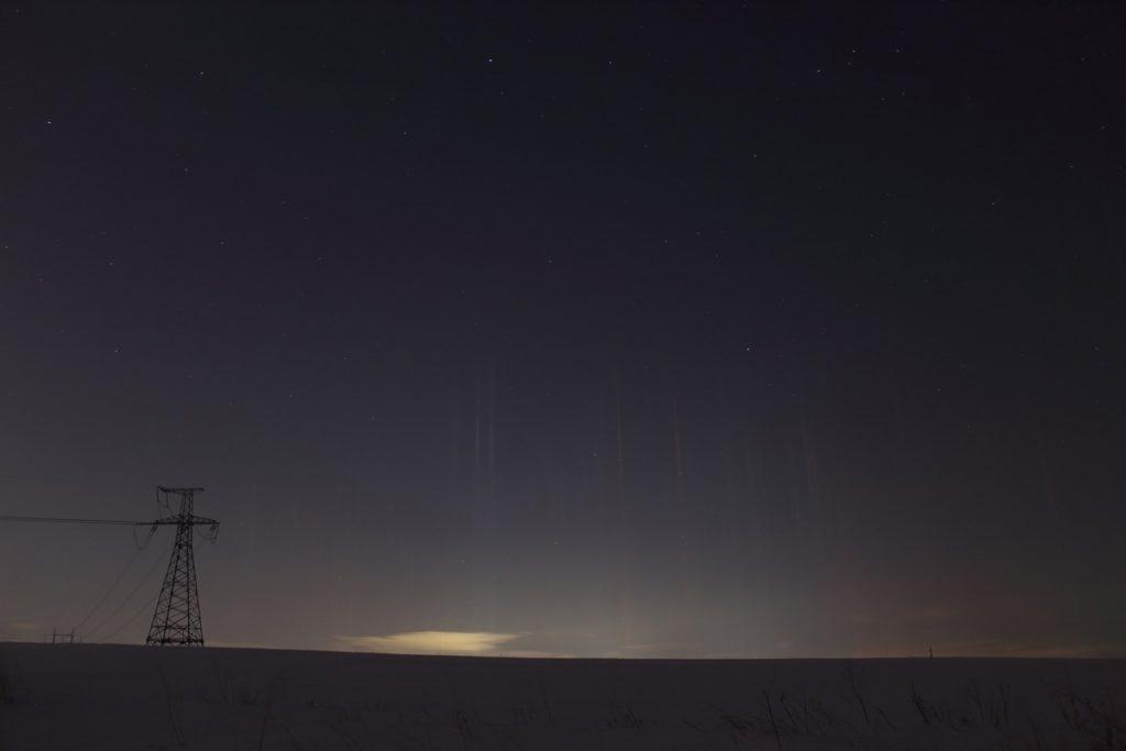 Световые столбы в Петербурге и области: инопланетяне в городе